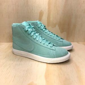 NEW Nike Blazer Mid Suede